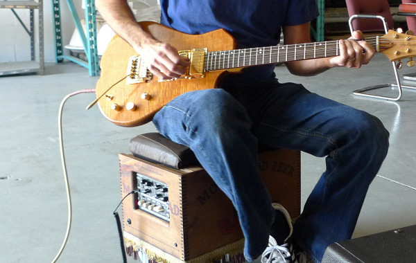 Wayne deadder testing SASH guitars:PHOTOS
