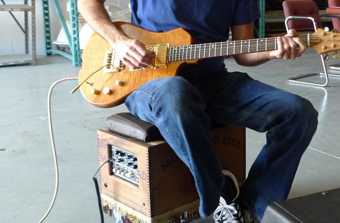 Wayne deadder testing SASH guitars:PHOTOS